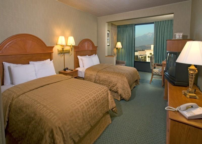 安納海姆克拉麗奧度假飯店,CLARION HOTEL ANAHEIM RESORT
